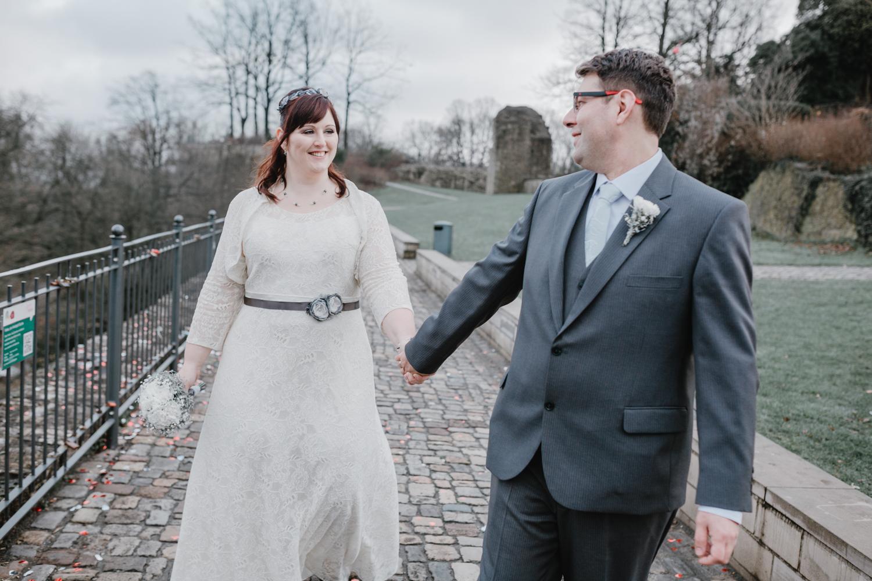 natürliches Brautpaarshooting